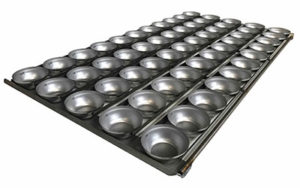 Self Cutting Party Pie Tray Round - 4 Rows x 8, Gastronorm - Panglazed R1032GNP